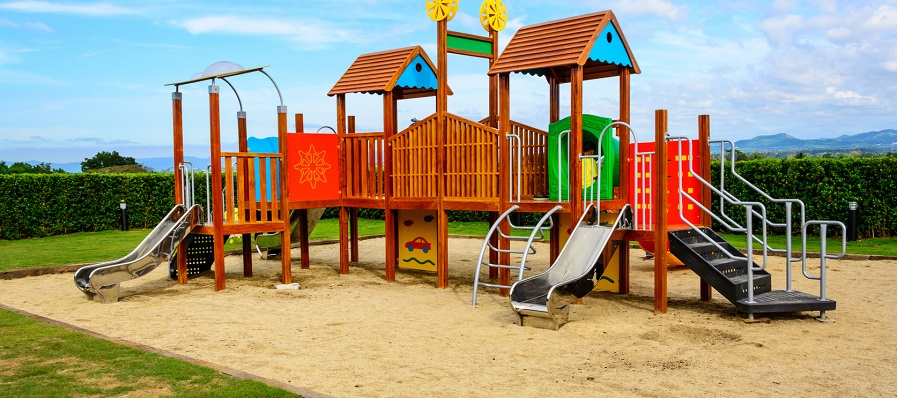 Maleo's sand machine maintains playgrounds